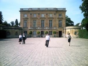 Maman à Versailles.
