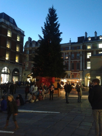 Covent Garden has had its Christmas decor up for a bit, but in view of the fact that there is no Thanksgiving here, I'll allow it in November