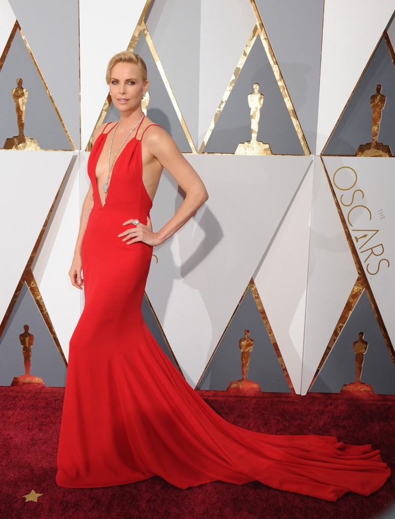 51982674 Celebrities arriving at the 88th Annual Academy Awards at the Hollywood & Highland Center in Hollywood, California on February 28, 2016. Celebrities arriving at the 88th Annual Academy Awards at the Hollywood & Highland Center in Hollywood, California on February 28, 2016. Pictured: Charlize Theron FameFlynet, Inc - Beverly Hills, CA, USA - +1 (310) 505-9876 RESTRICTIONS APPLY: NO FRANCE
